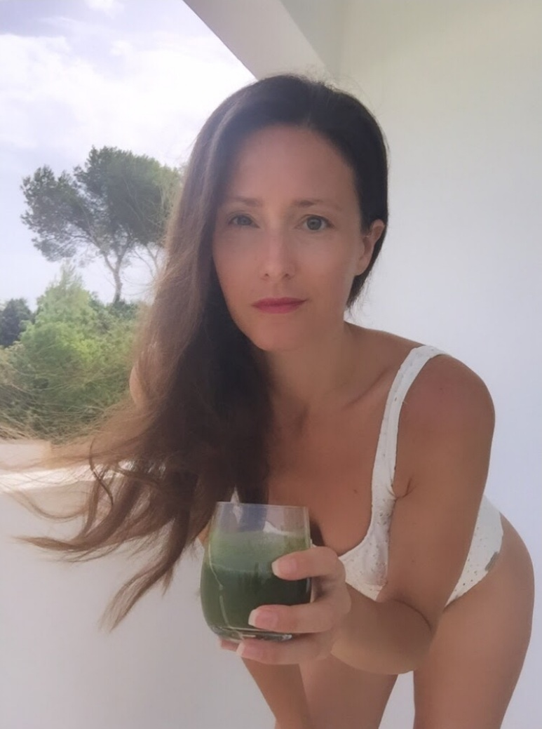 Spring Cleanse Journey(day25) the way to LIVING in PEACE with your body, relaxed as YOU🙏🏻👙🍋